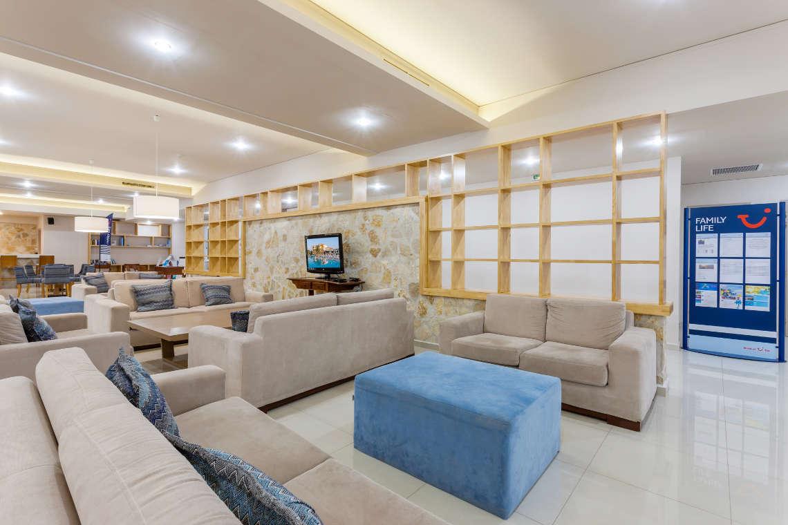 alykanas-village-hotel-lounge-1