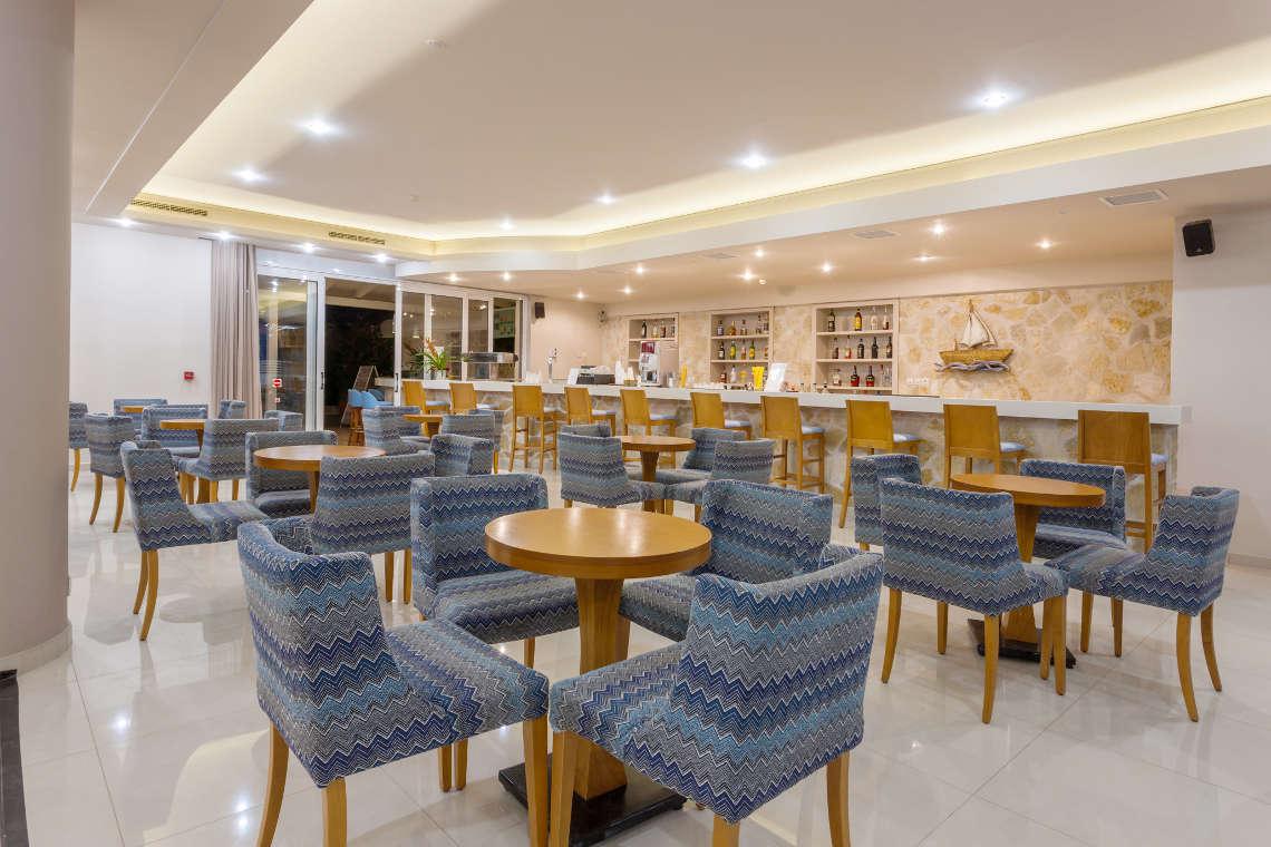 alykanas-village-hotel-lounge-2