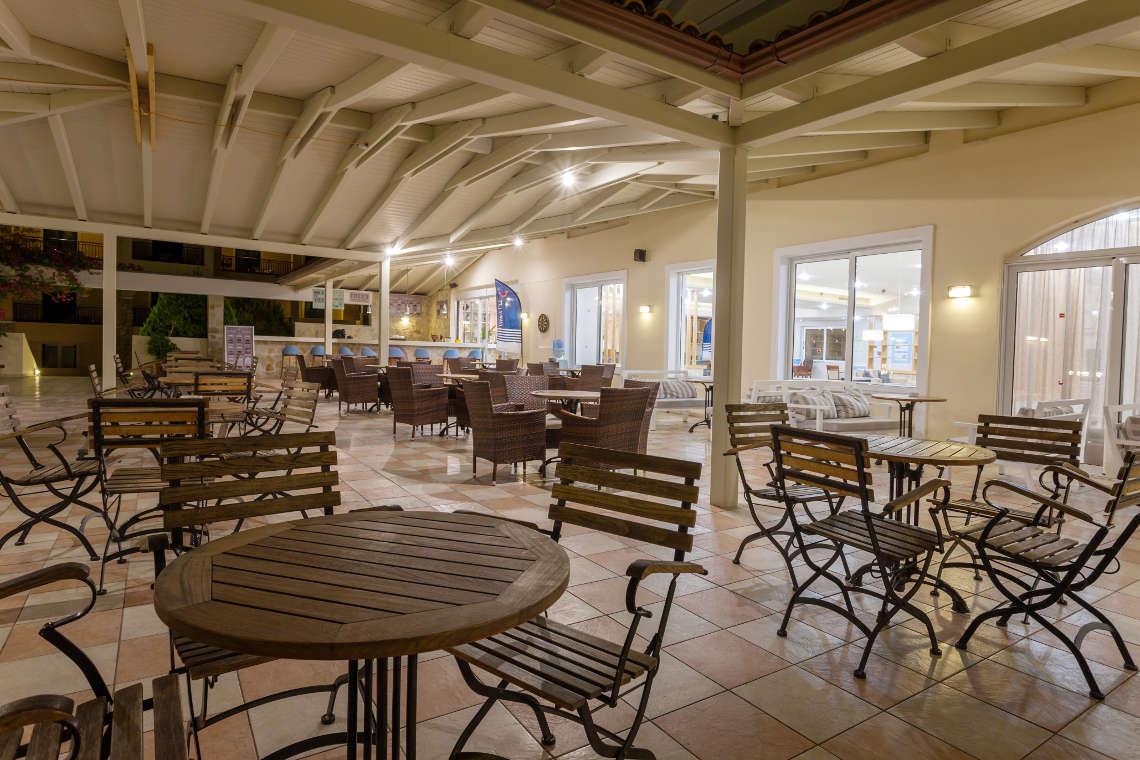 alykanas-village-hotel-lounge-5