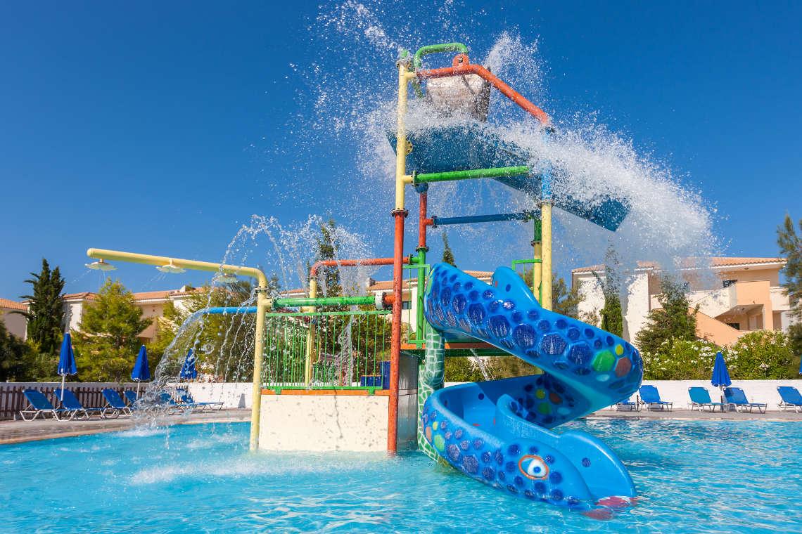 alykanas-village-hotel-pool-11