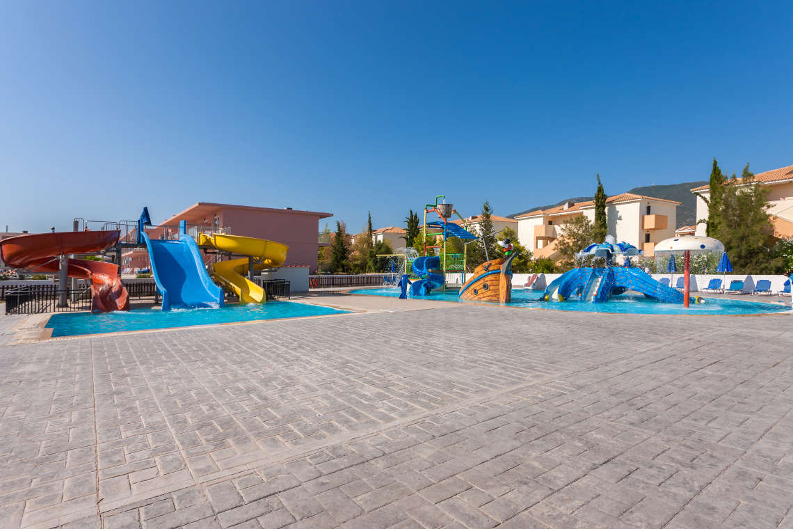 alykanas-village-hotel-pool-12