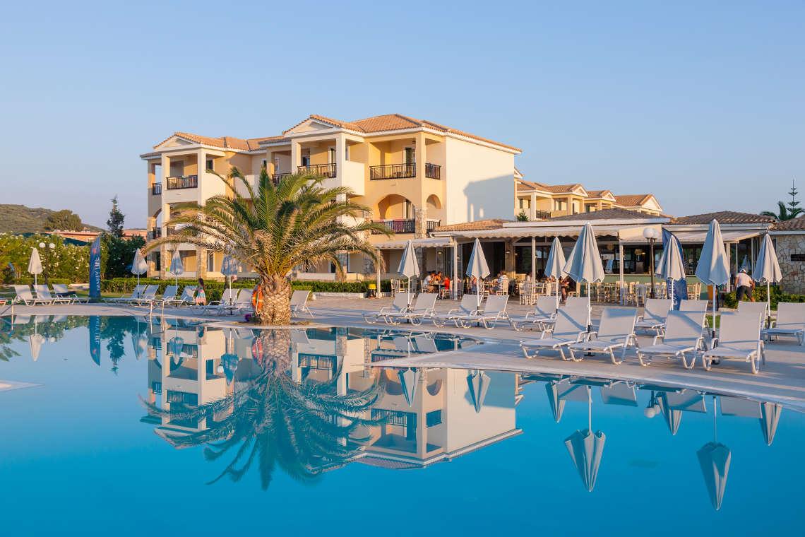 alykanas-village-hotel-pool-18