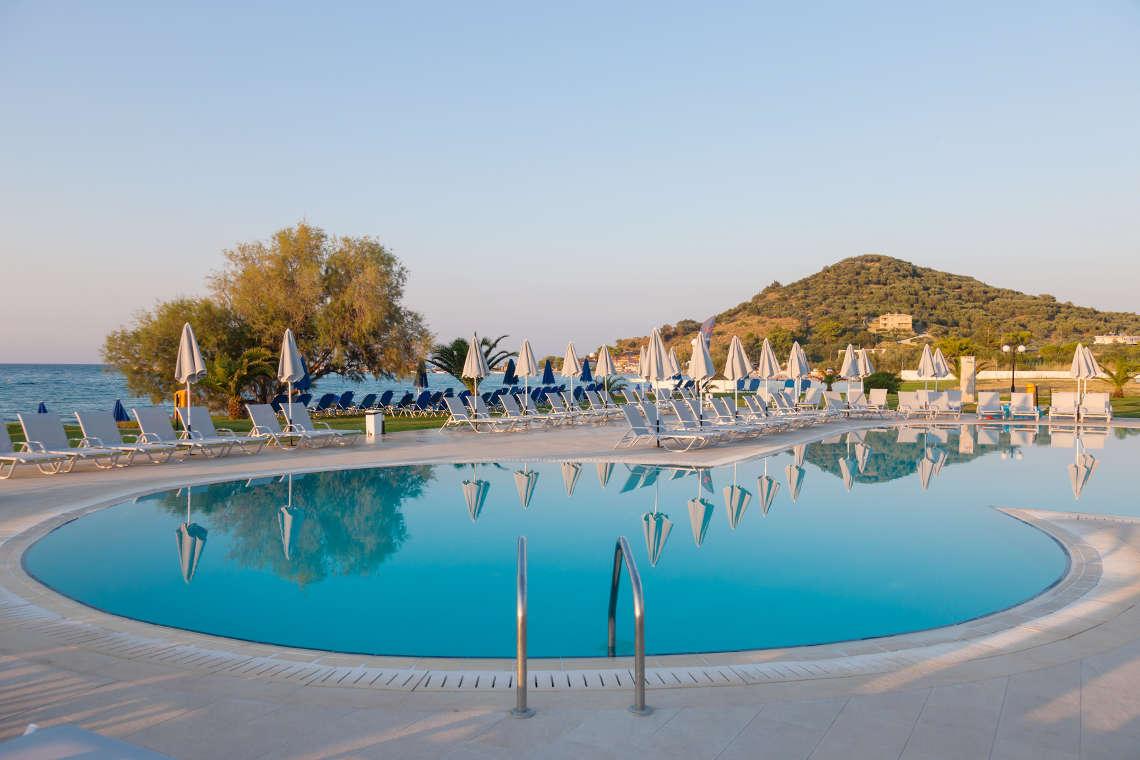 alykanas-village-hotel-pool-19