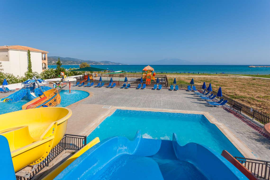 alykanas-village-hotel-pool-8