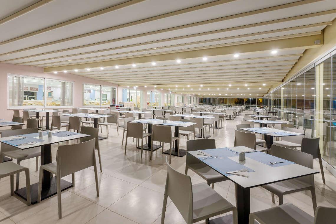 alykanas-village-hotel-restaurant-interior-2