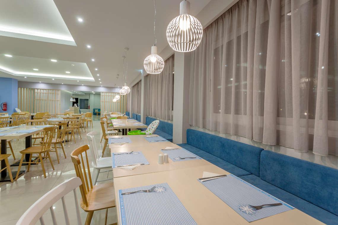 alykanas-village-hotel-restaurant-interior-5